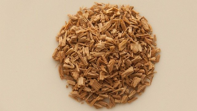 what is sandalwood essential oil