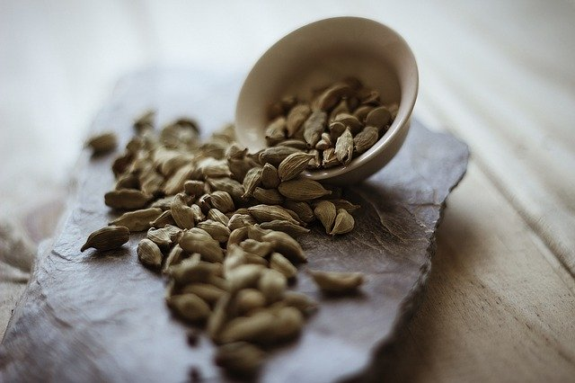 what is cardamom essential oil