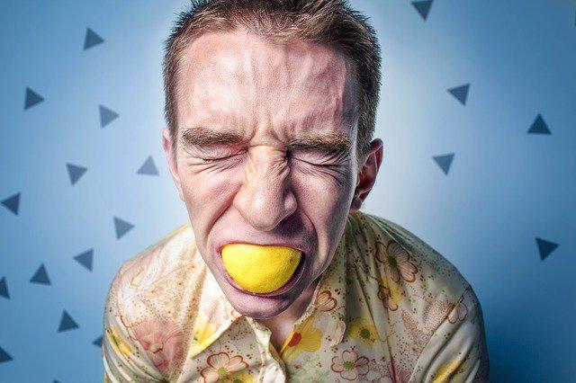 what is lemon essential oil